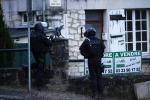 Charlie Hebdo, caccia ai due fratelli killer, la Francia mobilita 88 mila uomini