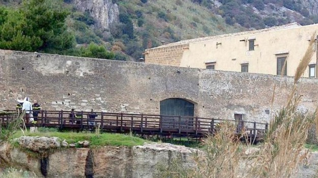 alberi, potature, rifiuti, tombini, Palermo, Cronaca