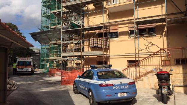 Incidente in casa, Palermo, rogo, Sicilia, Palermo, Cronaca