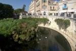 Ortigia, i commercianti: «Villetta Aretusa, un dormitorio per senzatetto»