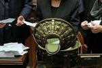 Quirinale, non scatta il quorum: fumata nera al primo voto