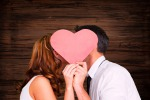 Con il raffreddore meglio baciarsi che tenersi mano nella mano