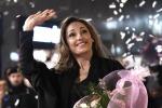 Anna Tatangelo sbarca a Palermo: incontro con i fan e autografi