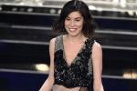 Bianca Atzei, look trasparente e decolletè mozzafiato sul palco dell'Ariston