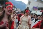Studenti in maschera e Mondello sembra Rio: il Carnevale nel Palermitano