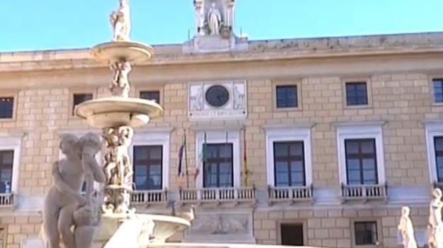 attacco informatico, hacker, sito del comune, Palermo, Cronaca