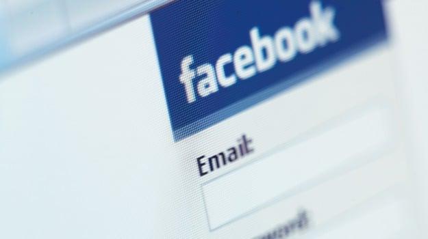 caltanissetta, facebook, furto, identità, Caltanissetta, Cronaca