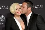 Lady Gaga felice con il suo Taylor: non vedo l'ora di sposarlo - Foto