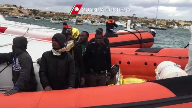 Lampedusa, studenti, Agrigento, Cronaca