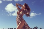 Scatti da capogiro sulle spiagge della Polinesia: dopo Orlando Bloom, Miranda Kerr torna a godersi la sua vita da single