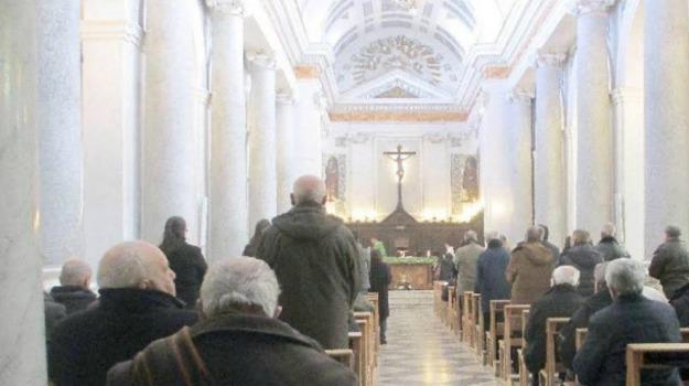 molestie sessuali, parroco, Pollina, tredicenne, Sicilia, Palermo, Cronaca