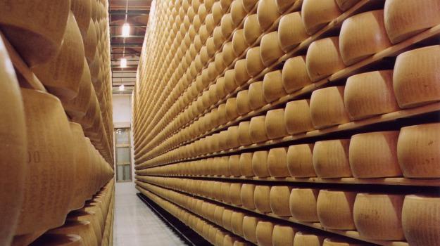 consumi, Parmigiano Reggiano, Sicilia, Economia
