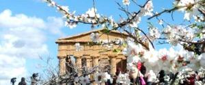 Agrigento, il festival del Mandorlo in Fiore guarda al 2019 tra folklore e impegno sui migranti