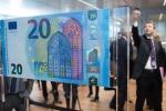 Ecco la nuova banconota da 20 euro: arriva dal 25 novembre - Foto