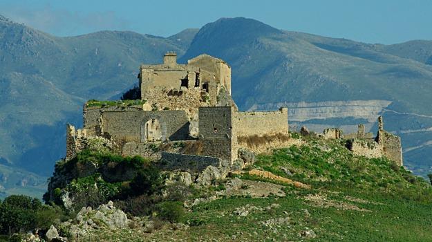 Alcamo, castello di calatubo, Trapani, Cultura