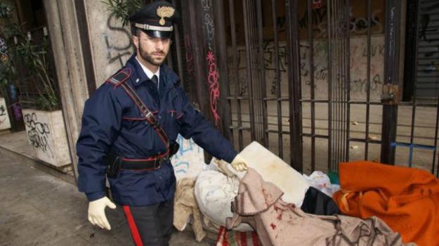 aggressione, clochard, Palermo, Palermo, Cronaca