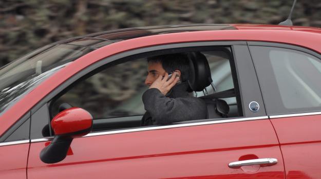 auto, cellulare, Incidenti, Sicilia, Cronaca