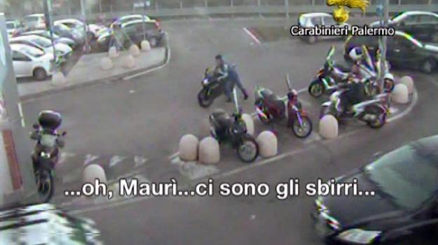 carabinieri, centro commerciale, furti moto, Palermo, Cronaca