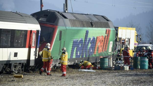 collisione, metropolitana, Svizzera, treno, Sicilia, Mondo