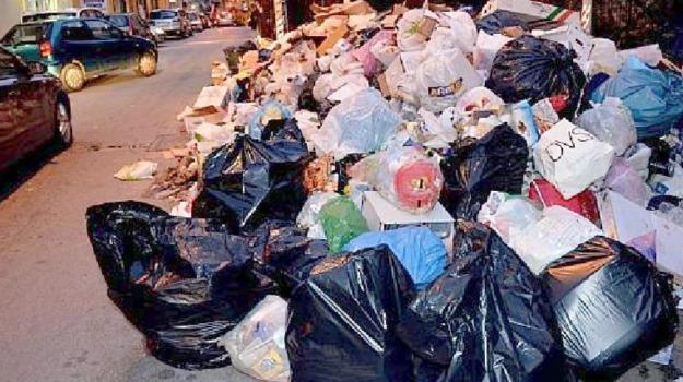 cartelli, marciapiedi, rifiuti, TRAFFICO, Palermo, Voci dalla città