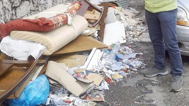 discariche abusive, Palermo, polizia municipale, rifiuti, sequestri, Palermo, Cronaca