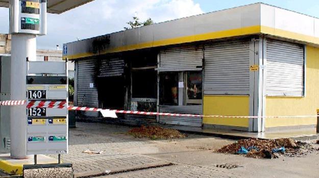 distributore, fiamme, Gela, incendio, Caltanissetta, Cronaca