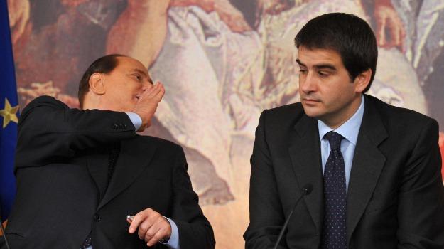 centrodestra, forza italia, riforme, Raffaele Fitto, Silvio Berlusconi, Sicilia, Politica