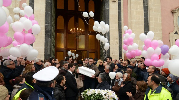 catania, funerali, Mascalucia, neonata morta, Utin, Beatrice Lorenzin, Lucia Borsellino, Rosario Crocetta, Catania, Cronaca