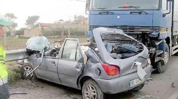 Incidenti, licata, strada della morte, Agrigento, Cronaca