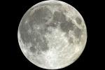 L'ipotesi: acqua sulla Luna portata dagli asteroidi 4 miliardi di anni fa