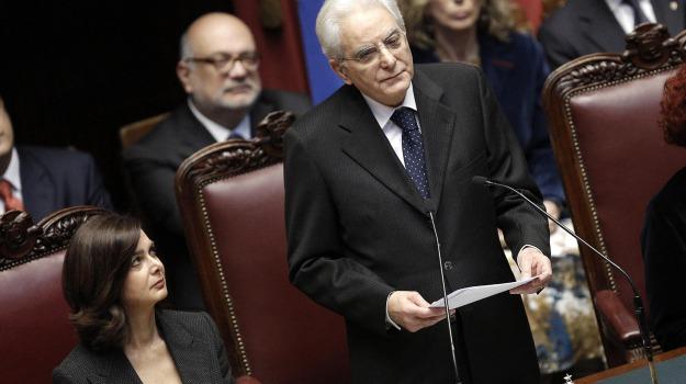 Sicilia, Analisi e commenti, Politica