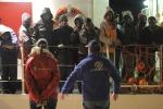 Sbarcati a Pozzallo 183 migranti, fermato il presunto scafista