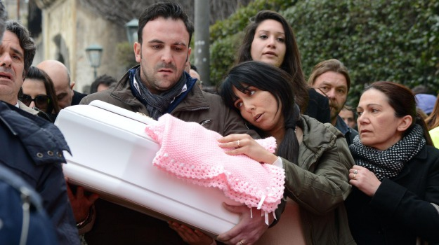 neonata, Nicole, tragedia, Catania, Cronaca