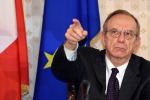 """Def, Padoan: """"La crescita dell'Italia si consoliderà nel 2016"""""""