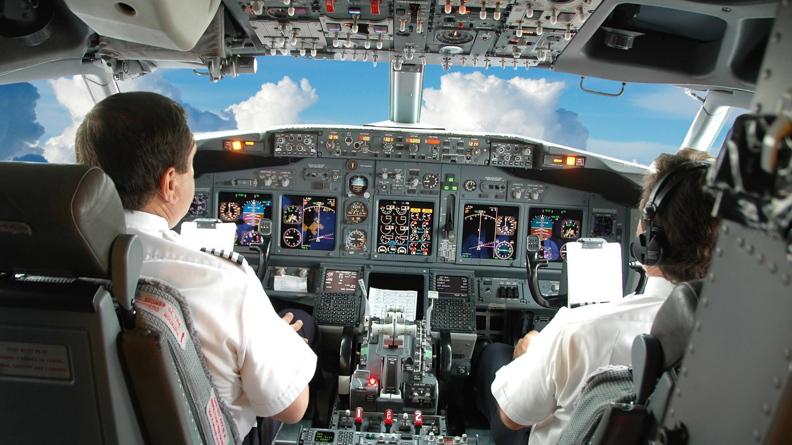 https://gdsit.cdn-immedia.net/2015/02/pilota-aereo.jpg