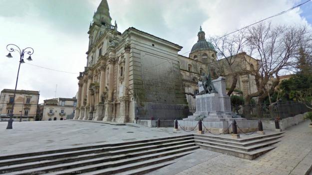 caduti, monumento, ragusa, Ragusa, Cronaca