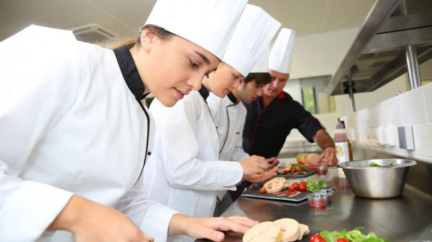 addetti alla ristorazione, confesercenti, ditelo a rgs, LAVORO, Sicilia, Sicilia, Economia