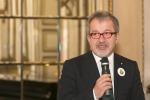 Maroni: in Lombardia al via il reddito di cittadinanza
