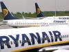 Ryanair dice addio ai trolley gratis in cabina: dal 15 gennaio si potrà fare solo pagando
