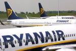 """Scioperi dei controllori di volo, Ryanair taglia 2.000 voli per """"aumentare la puntualità"""""""