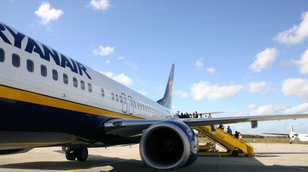 aereo, atterraggio, emergenza, esplosivo, Sicilia, Mondo