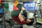 Videochiamata dallo spazio, la Cristoforetti saluta Fazio con una capriola in aria - Foto