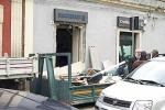 San Gregorio: bombola di gas per scardinare bancomat, danni anche al Municipio e alla Matrice