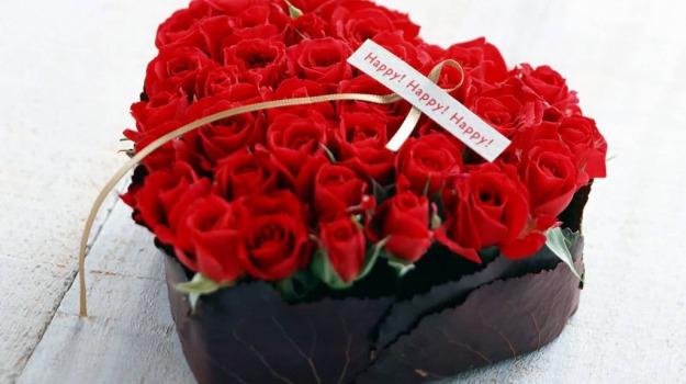 Mazzo Di Fiori X San Valentino.San Valentino I Fiori Restano I Regali Preferiti Ecco I Loro