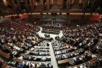 Decreto Genova, maggioranza battuta sul condono per Ischia: votano no i dissidenti M5s