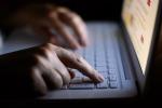 Mise il nome di una studentessa su un sito porno: donna condannata a Gela