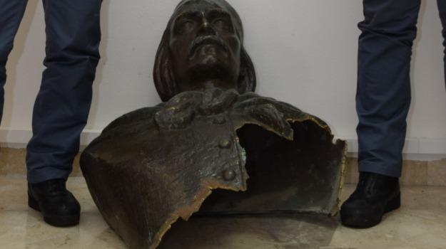 polizia, statua, Palermo, Cronaca