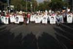 Studenti scomparsi, Città del Messico scende in piazza a protestare