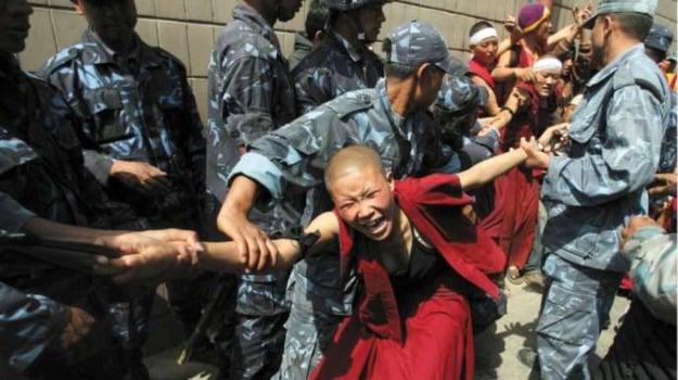 CINA, protesta, Tibet, Sicilia, Mondo