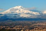Bloccati su una lastra di ghiaccio, tre escursionisti salvati sull'Etna